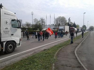 Proseguono gli scioperi dei lavoratori Alcaruno