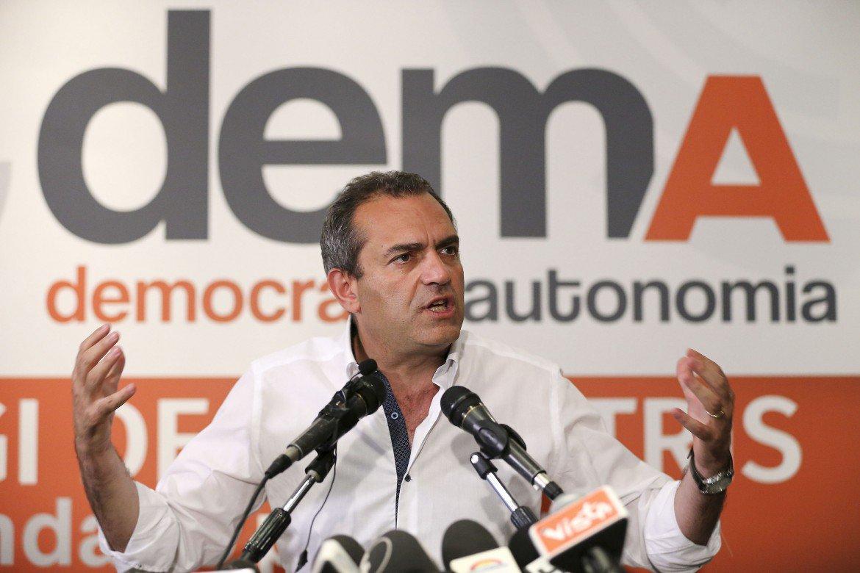"""Una pericolosa """"anomalia"""": burocrazie, centri sociali e apparati per un nuovo partito nazionale neoriformista"""