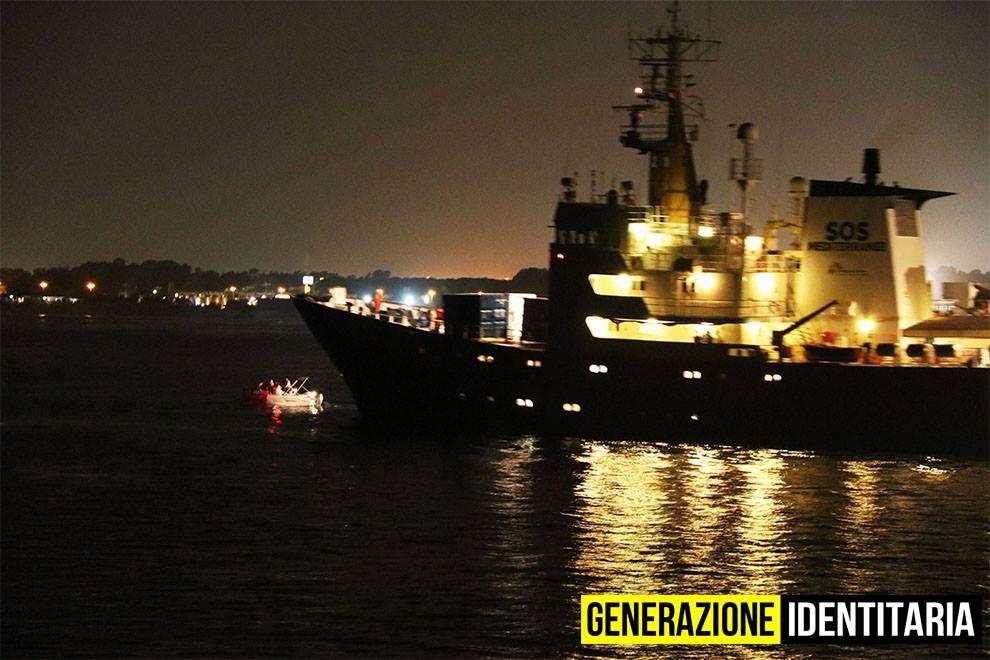 Nave anti-migranti fermata in Egitto perché senza documenti