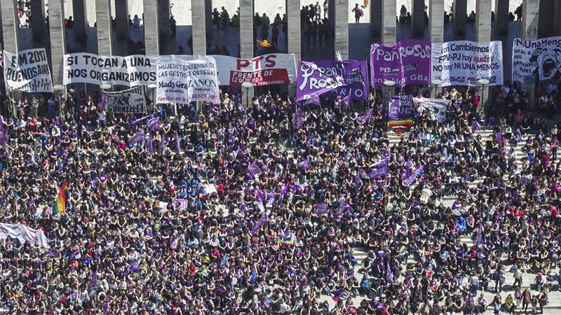 Manifesto internazionale del movimento delle donne Pan y Rosas