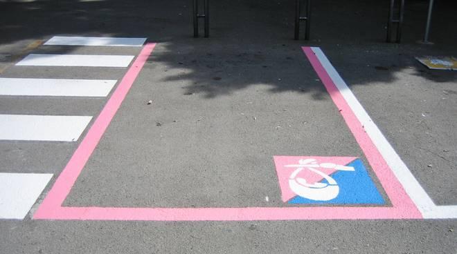 A Pontida arrivano i parcheggi per mamme vietati a lesbiche e extracomunitarie