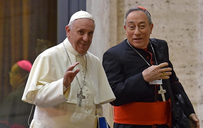 Lo scandalo della fame: il cardinale da 35 mila euro al mese