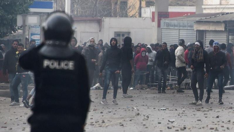 Tunisia: Due notti d'ira contro le politiche di austerità