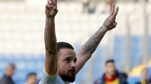 Spari contro Deniz Naki, calciatore tedesco sostenitore della causa curda