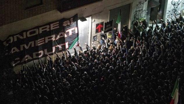 Centinaia di fascisti per le strade di Roma commemorano i morti di Acca Larentia