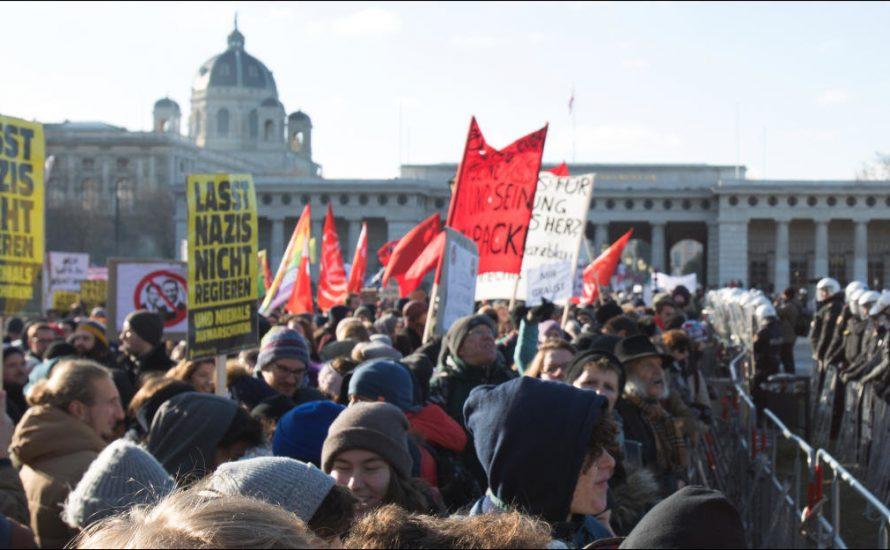 In 70000 per le strade contro il nuovo governo austriaco
