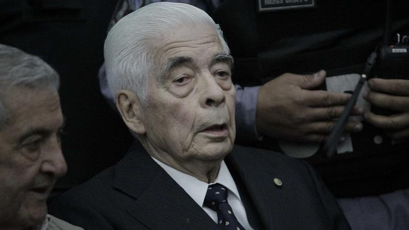 È morto il genocida Luciano Benjamín Menéndez