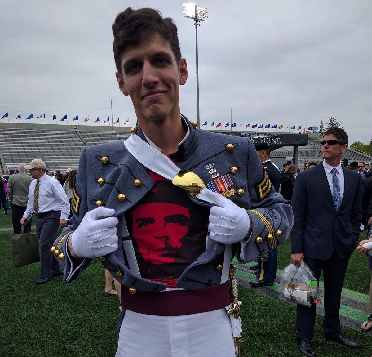 Spencer Rapone, congedato dall'esercito USA perché comunista
