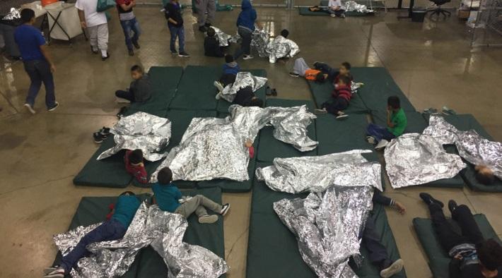 Prigioni private legate a Trump si arricchiscono con i bambini migranti