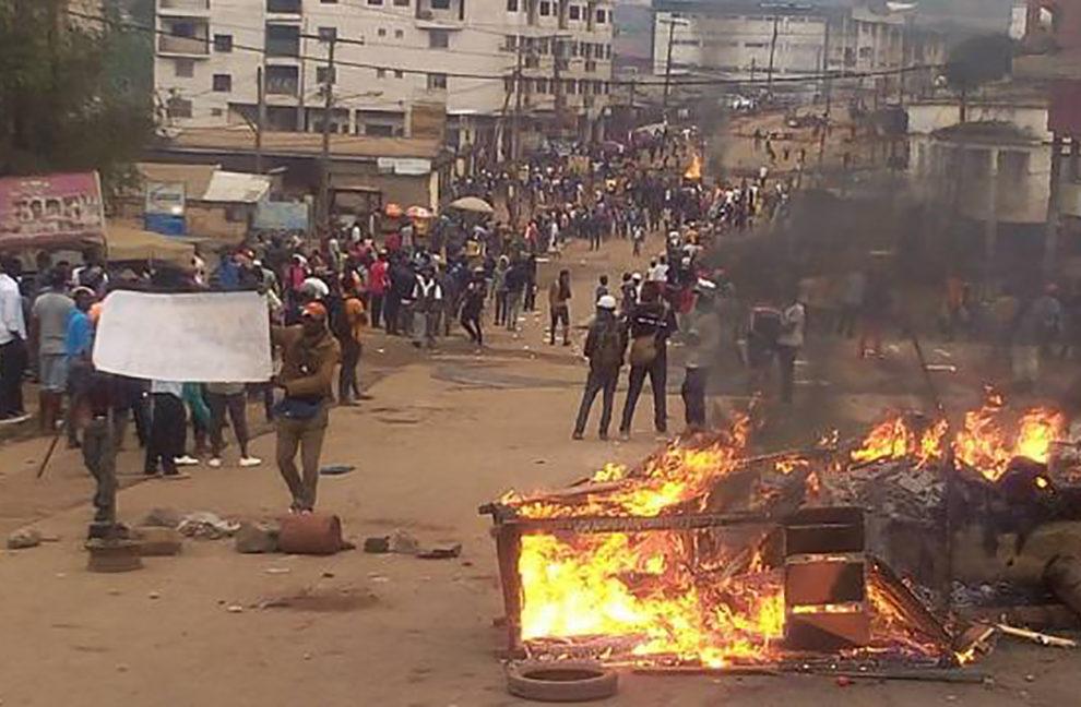 ''Aiutiamoli a casa loro'': cosa ha fatto l'occidente in Camerun