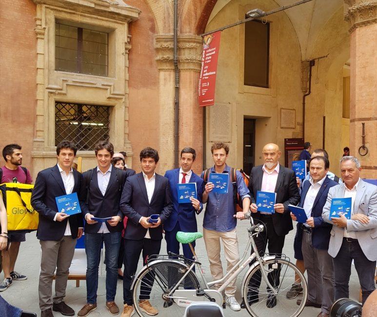 La Carta dei diritti di Bologna: dibattito fra i fattorini