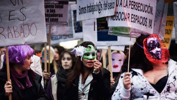Una posizione femminista e anticapitalista nel dibattito sulla prostituzione