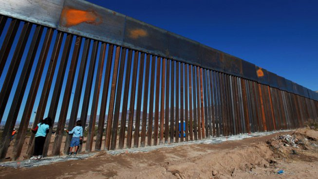 Abolire l'ICE e abolire il confine: una prospettiva socialista