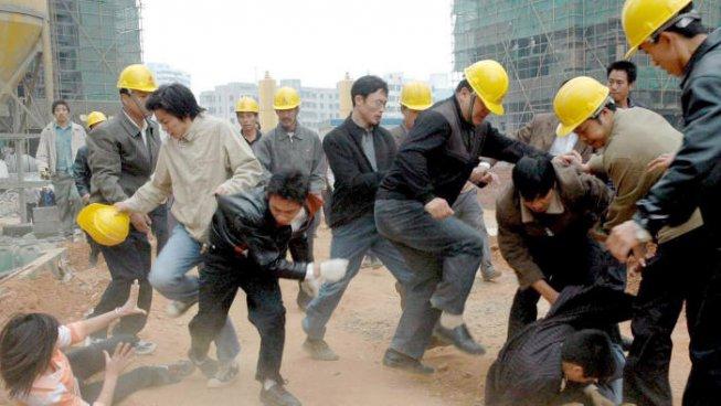 Cina: studenti arrestati ed accusati di…difendere i lavoratori