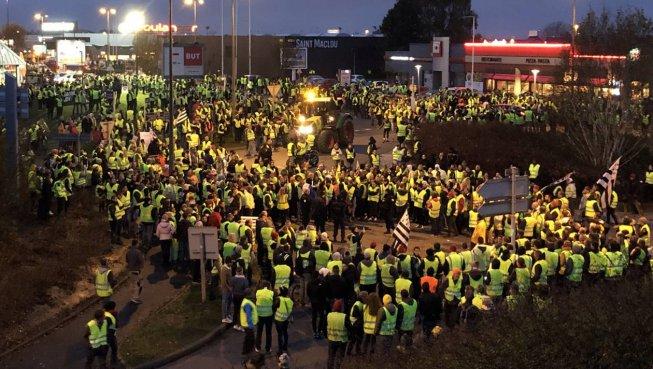 Francia, gilet jaunes: dopo il 17 novembre, come lottare?