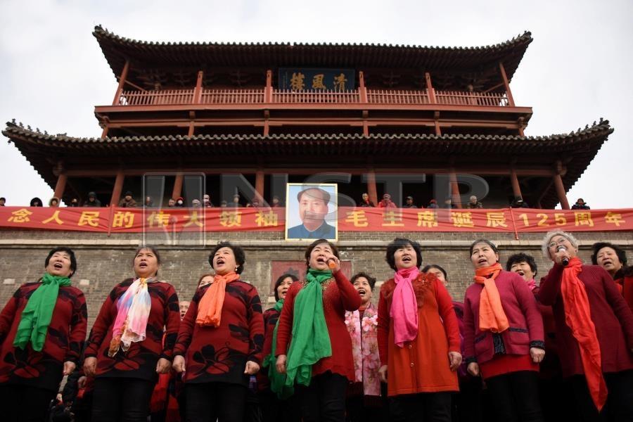 Il governo di Xi Jinping continua a reprimere studenti e operai