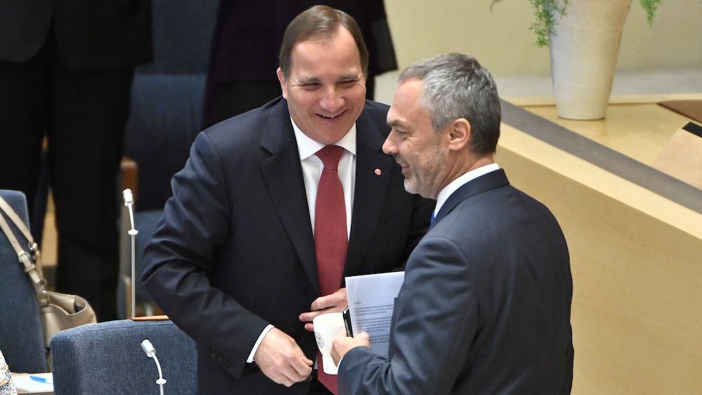 """Inedita ammucchiata di governo di minoranza in Svezia con l'aiuto della sinistra """"radicale"""""""