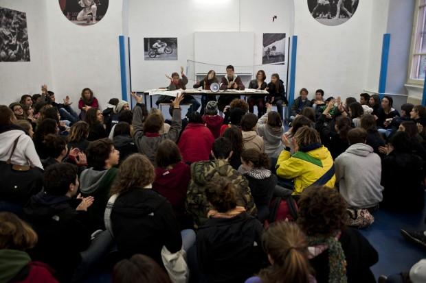 Liceo Tasso: dopo l'occupazione, 6 in condotta a tutti