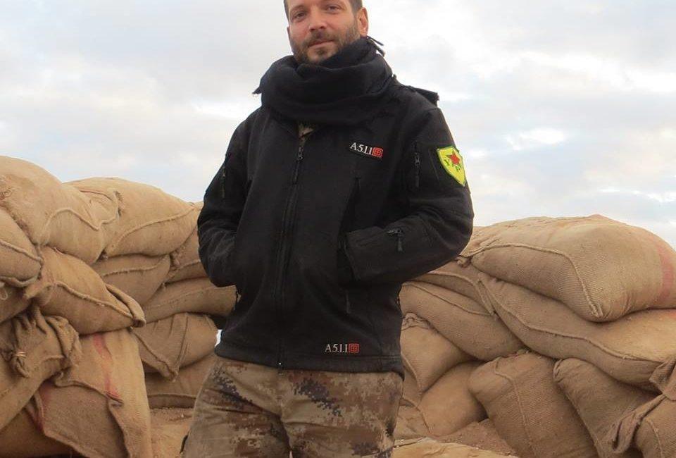 """Caduto contro l'ISIS in Siria Lorenzo """"Orso"""" Orsetti"""
