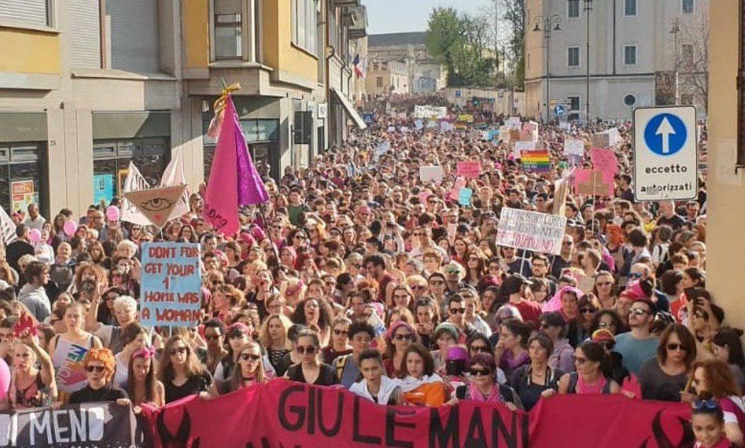 Una marea transfemminista ha oscurato a Verona il congresso della famiglia tradizionale