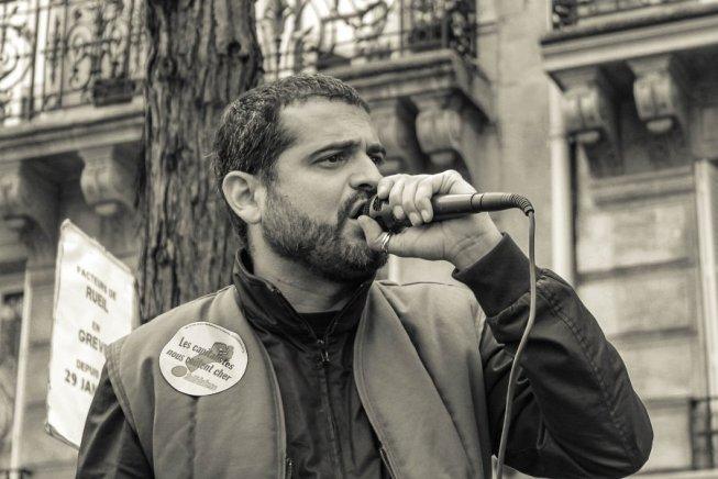 Francia: sindacalista sottoposto a fermo di polizia. Un esempio di repressione à la Macron