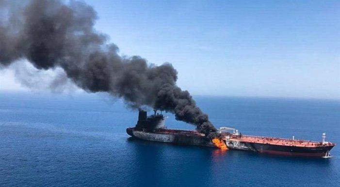 Attacco a due petroliere: alta tensione in Medio Oriente