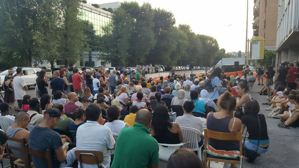 Roma, assemblea all'occupazione Caravaggio: qui non si passa!