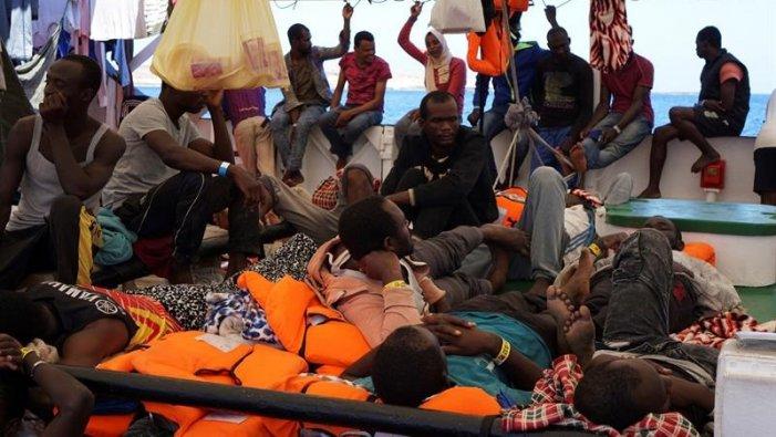 La procura di Agrigento ha fatto sbarcare i migranti a bordo della Open Arms