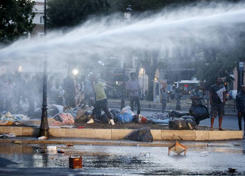 Sgomberi a Roma #2: la colpa di sgomberi e salari bassi è dei capitalisti!