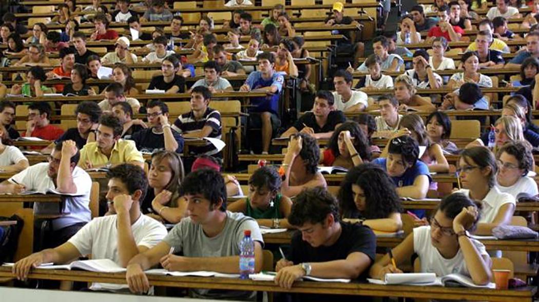 Non è un paese per laureati: istruzione e economia italiane schiacciano la gioventù