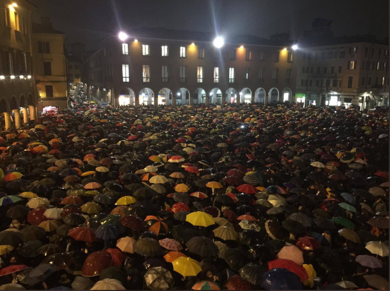 """Le """"sardine"""" di Modena: il problema dell'egemonia del PD a sinistra"""
