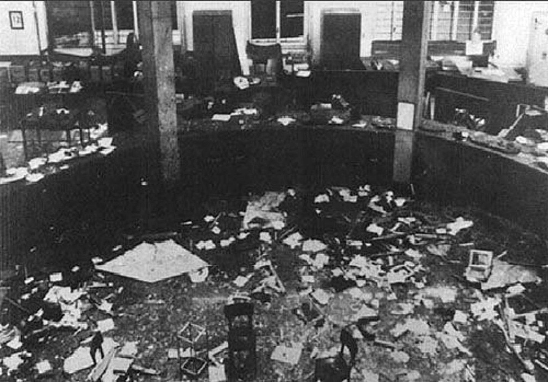 A cinquant'anni dalla strage di Piazza Fontana: il teatrino della memoria pacificata