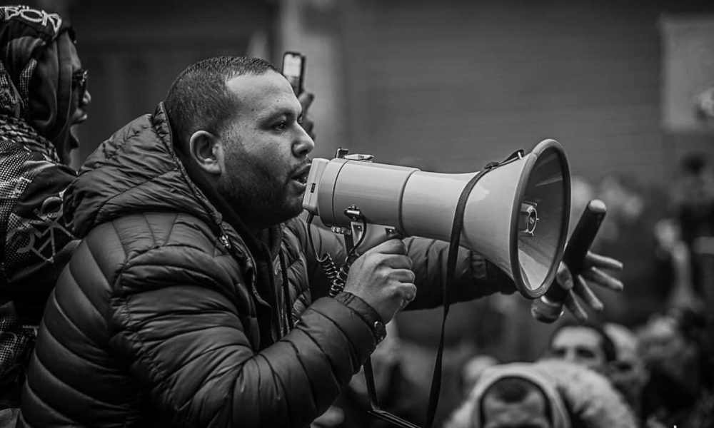 Anasse Kazib, il ferroviere rivoluzionario che spopola sui media francesi