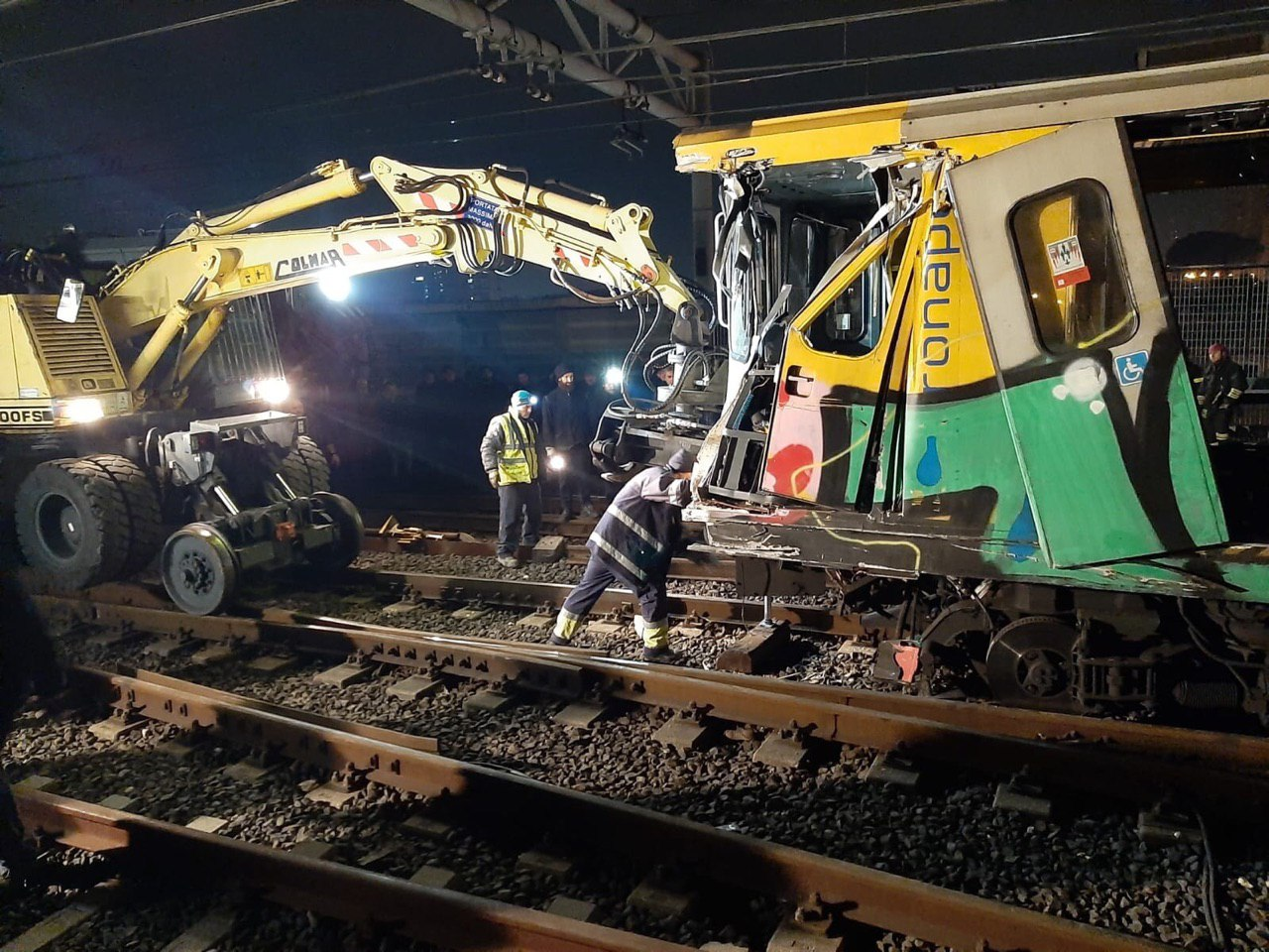 Incidente nella metro di Napoli: la vera sciagura è l'amministrazione comunale e aziendale!