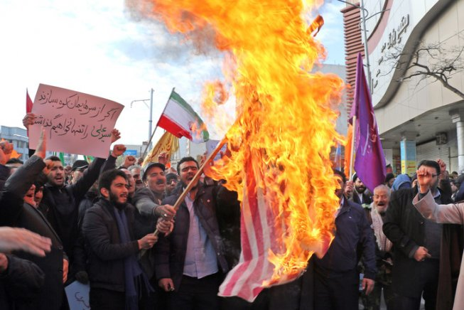 «Non c'è solo il rischio di un'escalation, ma un rischio reale di guerra tra gli Stati Uniti e l'Iran»