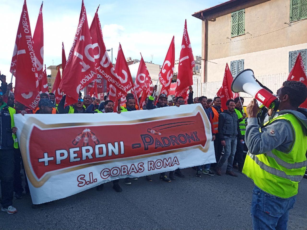 """Sciopero Peroni a Roma, oggi corteo: """"La lotta alla Peroni finirà quando sara Peroni a perdere!"""""""
