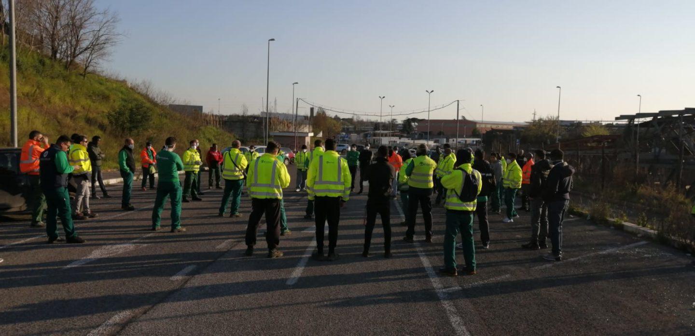 Gli operai in tutta Italia si schierano: la nostra vita contro i loro profitti, sciopero!