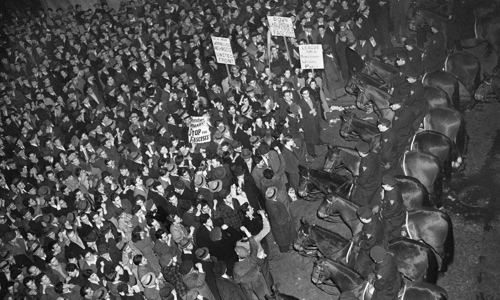 Quando 20.000 newyorchesi hanno partecipato a un raduno nazista e 50.000 si sono uniti alla controprotesta trotskista