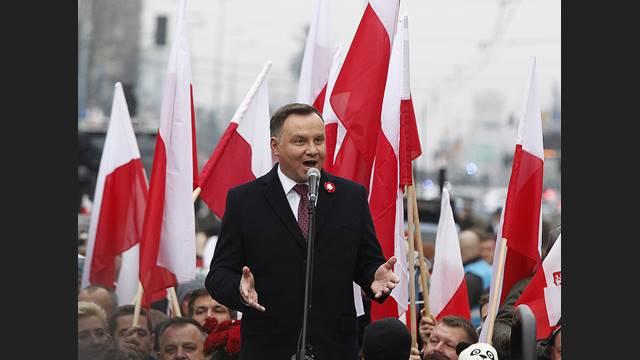 Il governo polacco approfitta del coronavirus per attaccare il diritto all'aborto e l'educazione sessuale