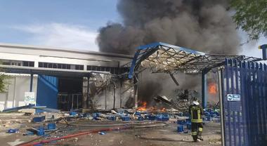 Se la fabbrica Alder Plastic è esplosa è perché non c'è sicurezza sul lavoro!