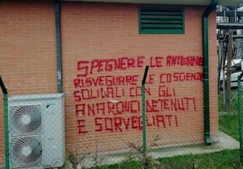 """Ondata di arresti di anarchici sospettati di """"terrorismo"""": solidarietà ai compagni!"""