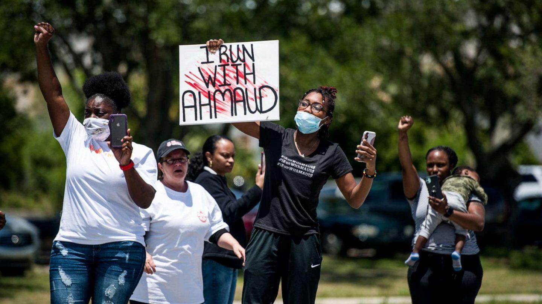 Ahmaud Arbery e gli altri: la violenza omicida fuori controllo della polizia americana
