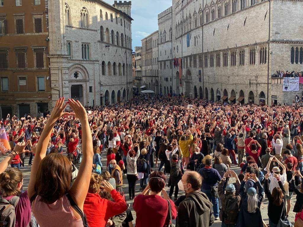 """Marina Toschi, ginecologa: i diritti non sono """"per sempre"""", per questo ero in piazza a Perugia"""
