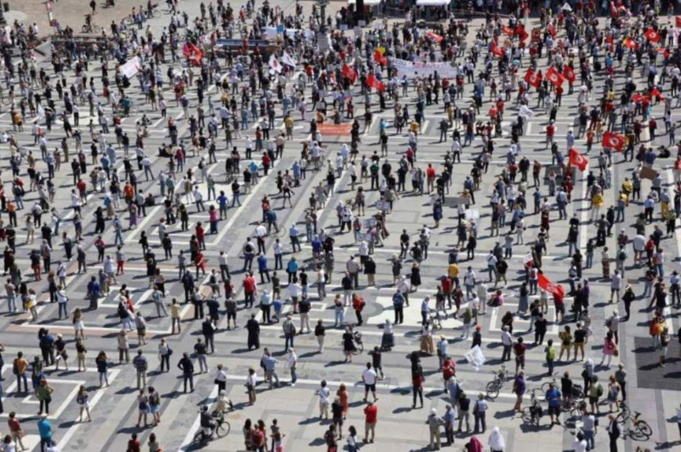 Il 12 luglio incontro a Bologna per un'assemblea nazionale di lavoratori combattivi: la crisi la paghino i padroni!