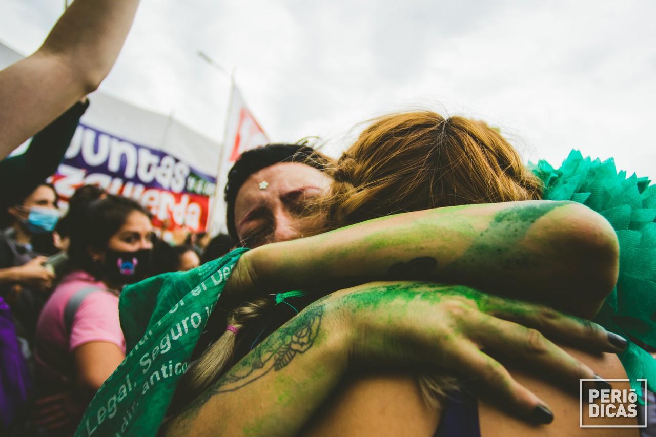 ¡ES LEY! Storica vittoria per il movimento transfemminista argentino!