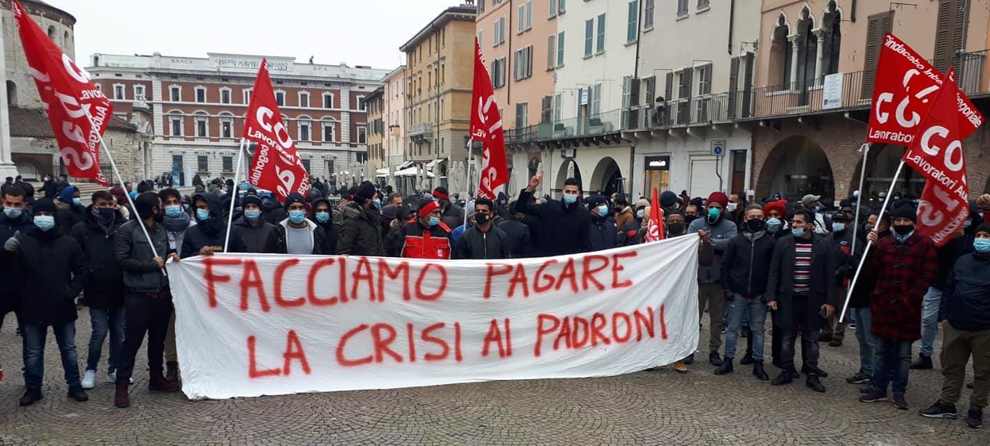 Nel giorno dello sciopero generale, lavoratori e studenti lottano per non pagare la crisi