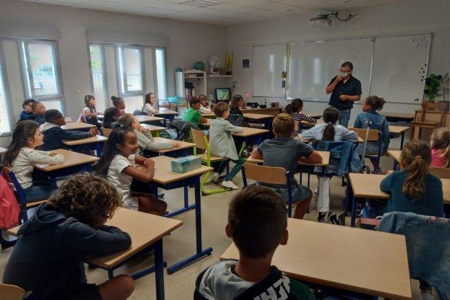 Francia: nelle scuole, la politica pro-padronale del governo porta alla catastrofe
