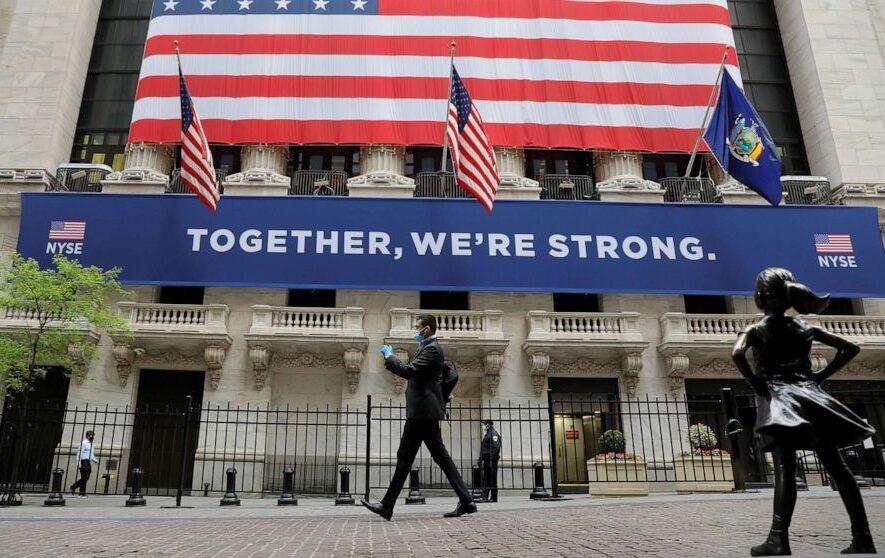 """Non siamo tutti """"sulla stessa barca"""": chi si sta arricchendo con la crisi?"""