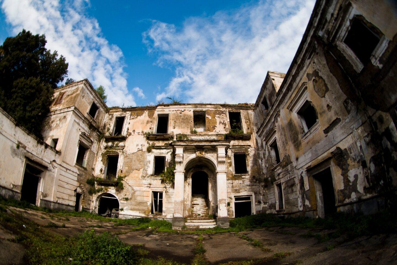 Napoli: Villa Tropeano è un bene comune, NO alla vendita!
