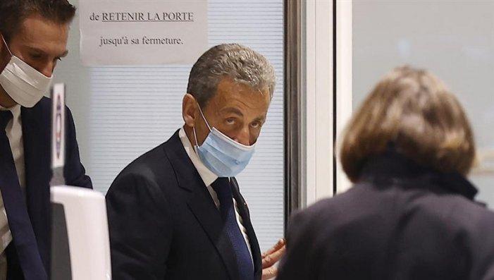 L'ex presidente francese Nicolas Sarkozy condannato per corruzione